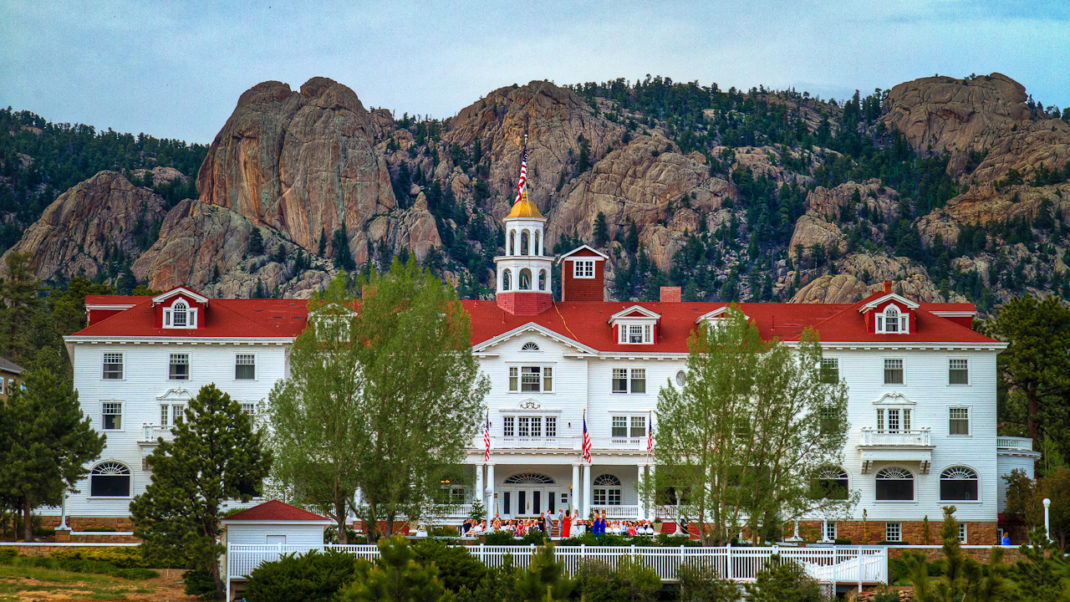 "The Stanley, A Hotel that Inspires Stephen King on ""The Shining"""