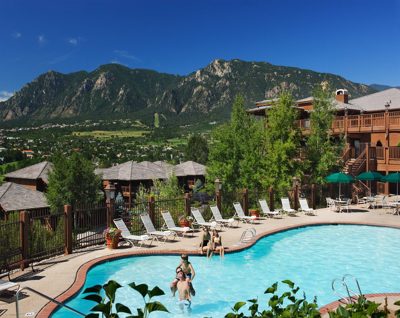 These 5 Boutique Hotels in Colorado Springs USA are Cool!